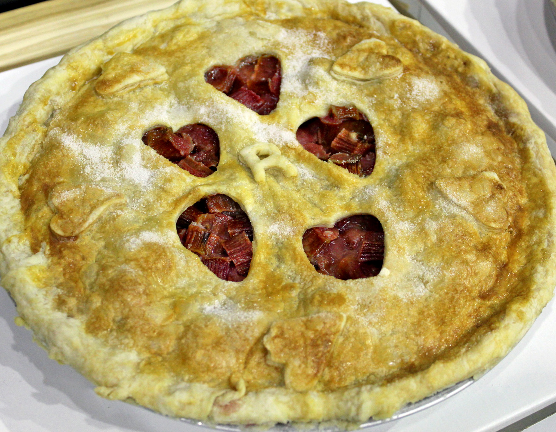 Rhubarb pie hearts